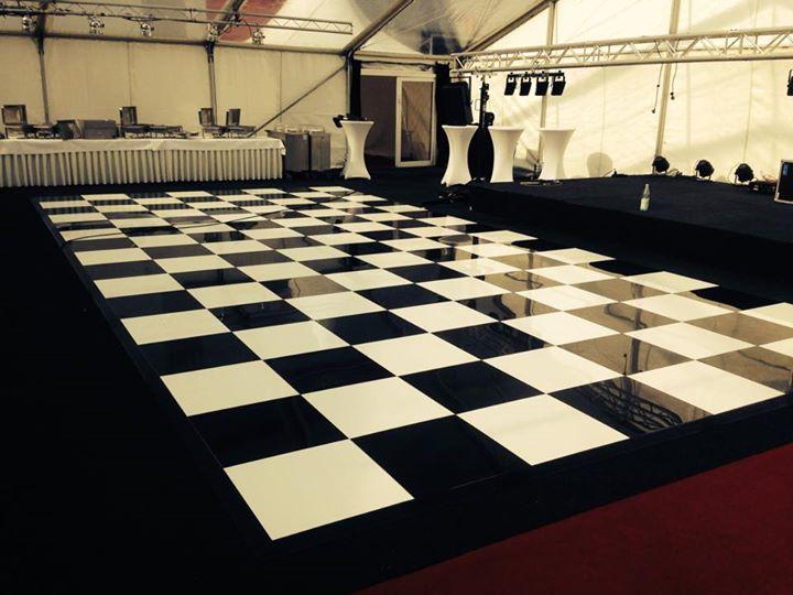 Tanzboden schwarz/weiß